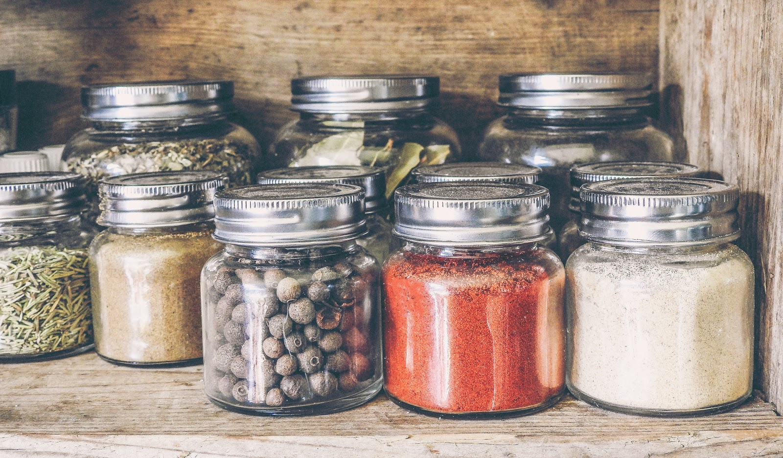 6 Herbs and Spices That Are Packed With Health Benefits